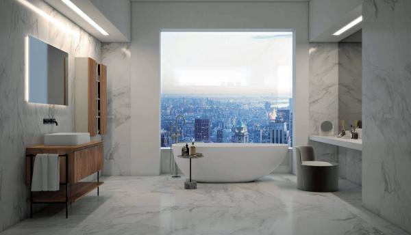 Salle de bains avec un revêtement en imitation marbre - sol et mur