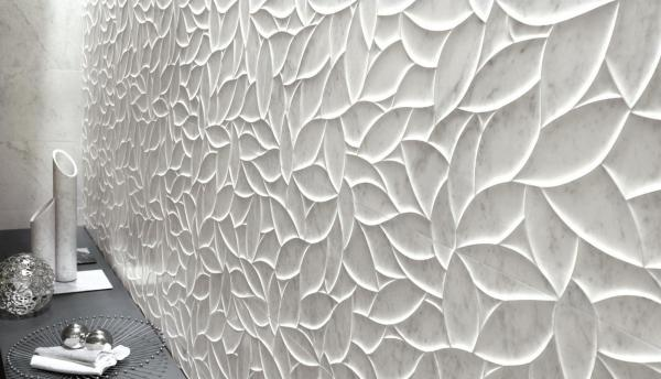 Carrelage mural structuré effet marbre