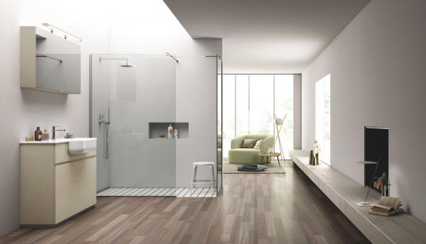 Douche à l'italienne avec carrelage blanc