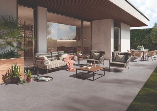 Carrelage de terrasse forte épaisseur, grand format et posé sur plots