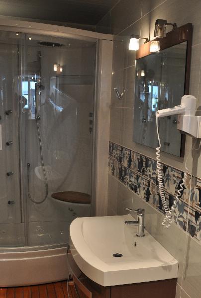 douche hydro lille douai lens le touquet. Black Bedroom Furniture Sets. Home Design Ideas