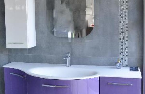 meuble salle de bain violet