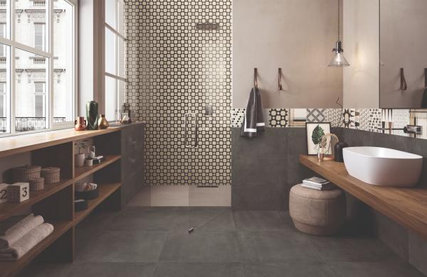 Douche avec carrelage mural décor