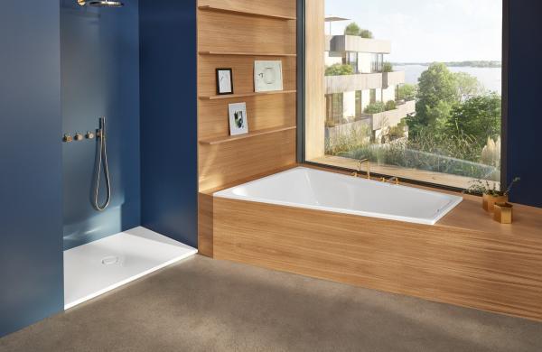 Baignoire d'angle avec contours bois