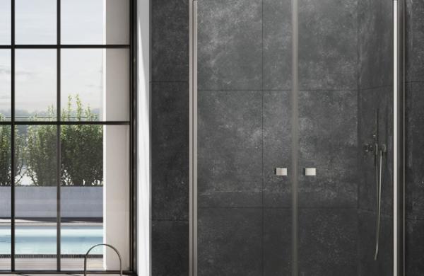 Douche avec portes
