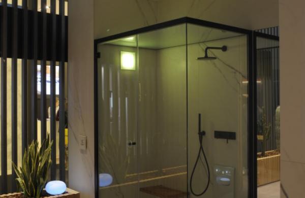 Hammam avec douche intégrée